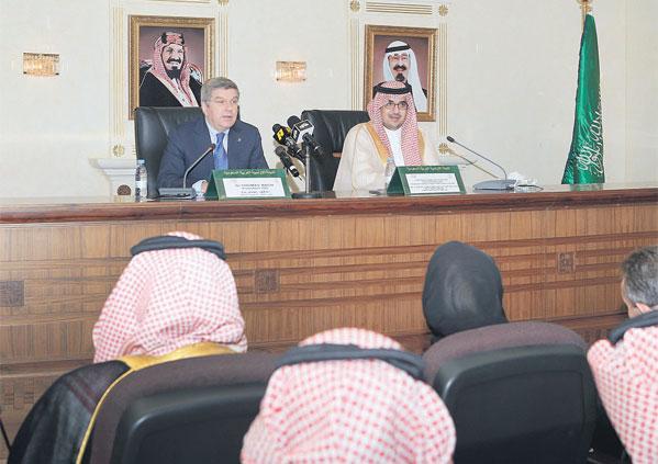 Photo of نواف بن فيصل: شرحنا الاستراتيجية السعودية حتى 2020