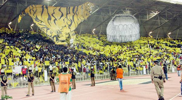 Photo of جماهير العميد: المدرب خبصها واللاعبون خذلونا