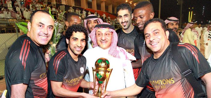 Photo of الشبابيون استقبلوا أبطال الكأس وزفوهم من المطار إلى مقر النادي