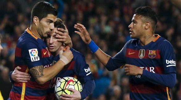 سواريز: ميسي يتحكم في أداء برشلونة