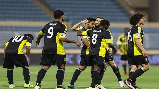 بيتوركا يمنح لاعبي الإتحاد راحة قبل النصر