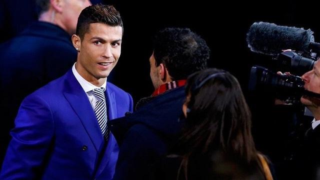 رونالدو يفوز بجائزة أفضل لاعب في العالم 2016