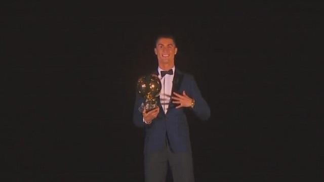 رونالدو يفوز بجائزة الكرة الذهبية
