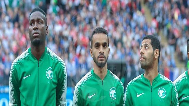لاعبو الأخضر: نعتذر للجماهير .. وكرة القدم لا تعرف المستحيل