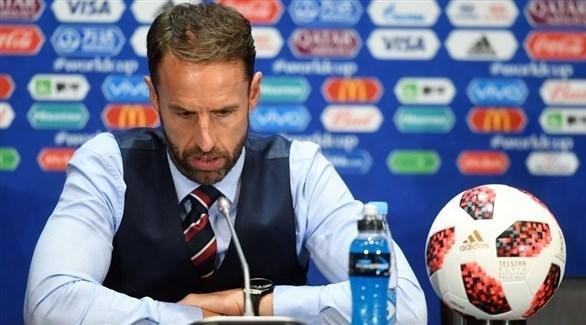 مدرب إنجلترا لم يستطع الدخول إلى غرفة خلع الملابس