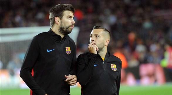 مانشستر يونايتد مهتم بمدافع برشلونة