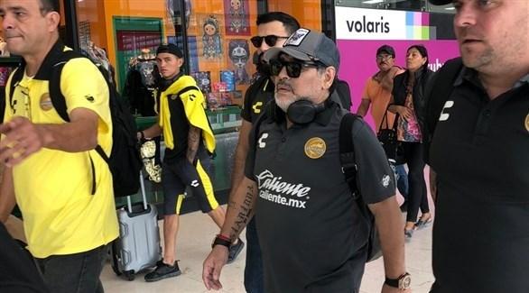 مارادونا يستقبل في المكسيك بأغنية شعبية