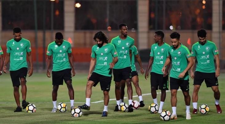 المنتخب السعودي يدشن تدريباته في معسكره بالرياض