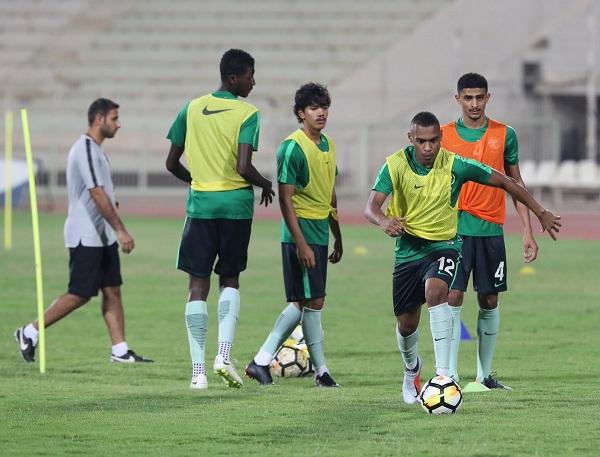المنتخب السعودي تحت 21 عامًا يجري أولى حصصه في الكويت
