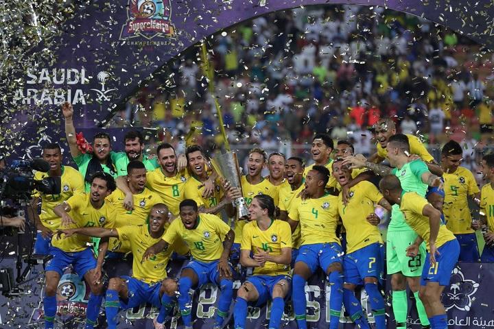لاعبو البرازيل والأرجنتين يشيدون بأجواء بطولة سوبر كلاسيكو