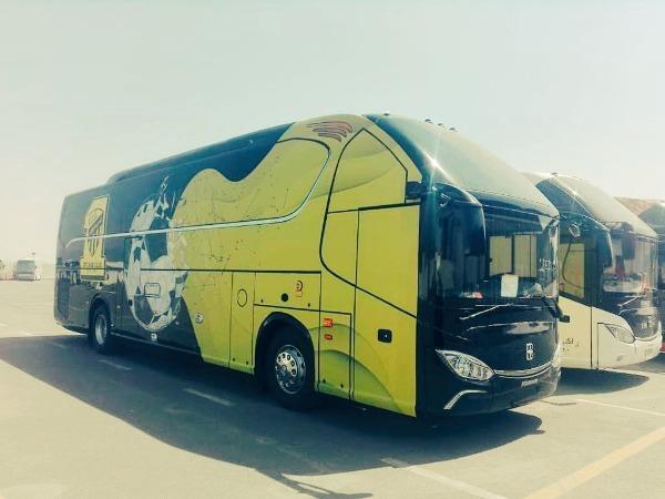 نائب رئيس الاتحاد يُهدي الفريق حافلة خاصة