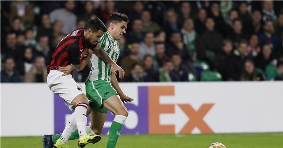 في الدوري الأوروبي: آرسنال يضمن التأهل .. وتعادل ثمين لـ ميلان