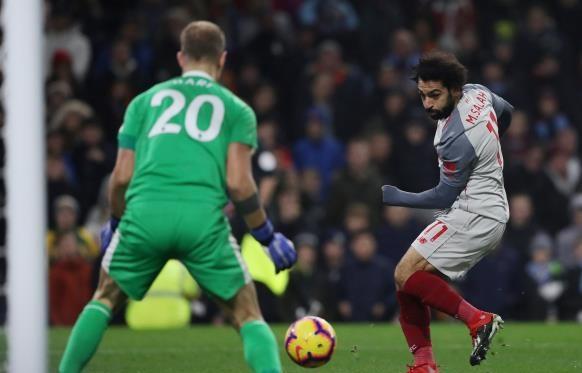 ليفربول ينجو بثلاثية .. وتشيلسي يسقط أمام ولفرهامبتون