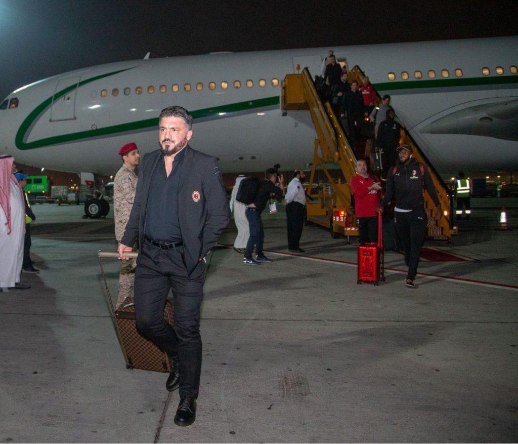 ميلان يصل السعودية لخوض السوبر الإيطالي