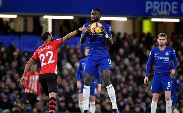 مانشستر يونايتد يضرب بثنائية .. وتشيلسي يسقط في فخ التعادل