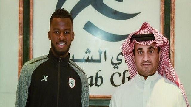 حسان تمبكتي يمدد عقده مع الشباب لموسم إضافي