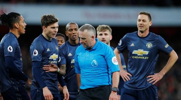 لاعب مانشستر يونايتد يطالب بحماية أكبر للاعبي كرة القدم