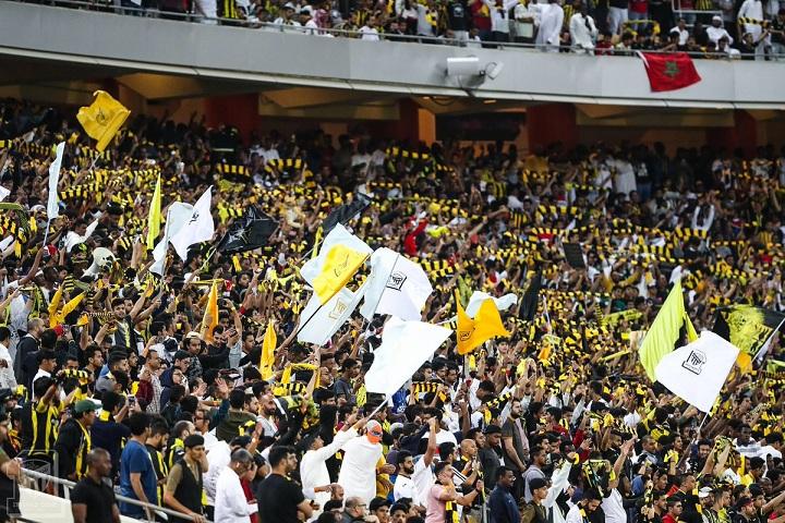 رئيس الاتحاد : رجائي من الجماهير دعم كل اللاعبين