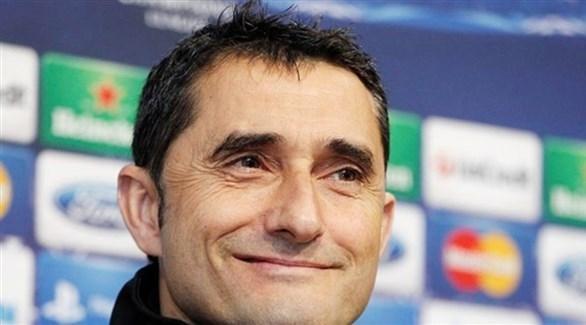 مدرب برشلونة: ميسي دائماً ما ينقذنا من المشكلات