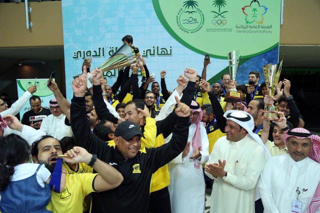 الاتحاد يتوج بكأس الدوري العام للسباحة بعد تغلبه على الأهلي