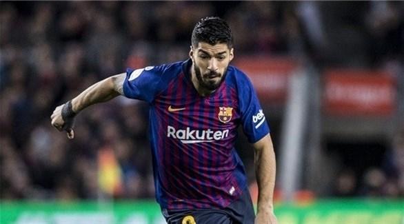 سواريز يغيب عن برشلونة من 4 إلى 6 أسابيع