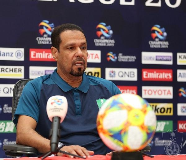 يوسف عنبر : المسؤولية كبيرة على عاتق لاعبي الأهلي