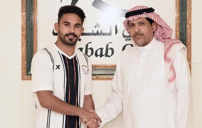 الشباب يدعم صفوفه بنصراوي .. ويخالص خالد كعبي