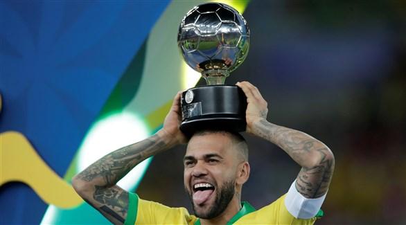 مانشستر سيتي يخطط لضم البرازيلي ألفيس