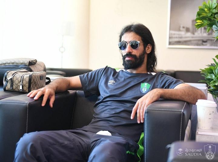 Photo of حسين عبدالغني يعلن اعتزاله كرة القدم بشكل نهائي