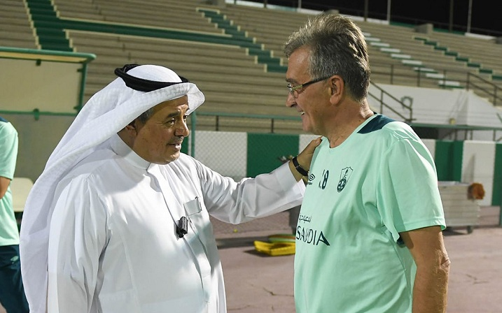 الأمير منصور بن مشعل يطالب لاعبي الأهلي بهزيمة الهلال