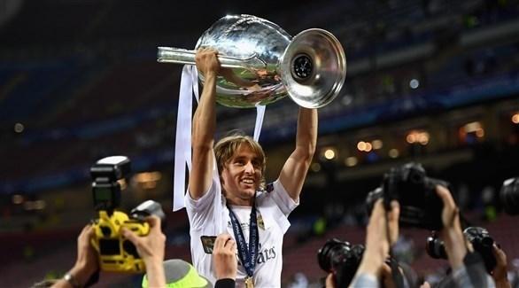 مودريتش يواجه شبح التهميش في ريال مدريد