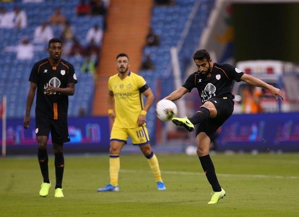ألميرون يمنح راحة للاعبي الشباب بعد التعادل مع النصر