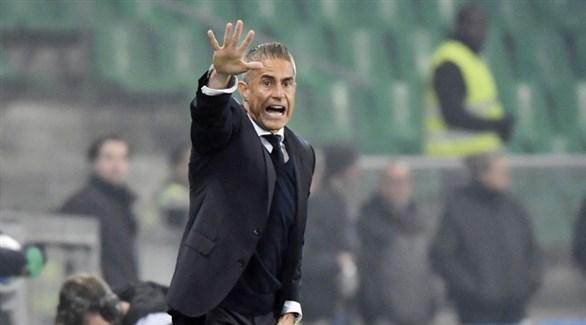 إقالة مدرب ليون الفرنسي بسبب سوء النتائج
