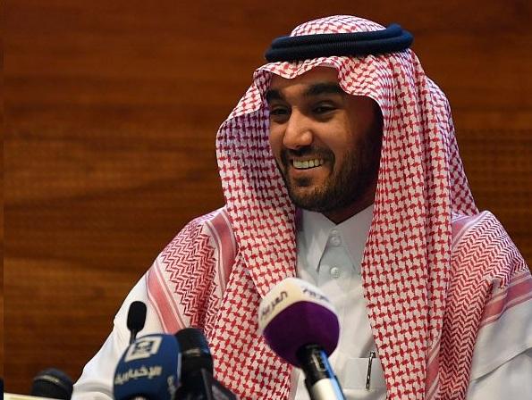 Photo of وزير الرياضة يهنئ القيادة بمناسبة اليوم الوطني الـ 90 للمملكة