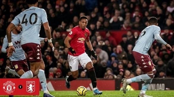 أستون فيلا يقتنص نقطة ثمينة من مواجهة مانشستر يونايتد