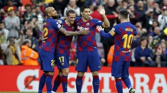 Photo of كارثة دفاعية تهدد برشلونة قبل دوري الأبطال
