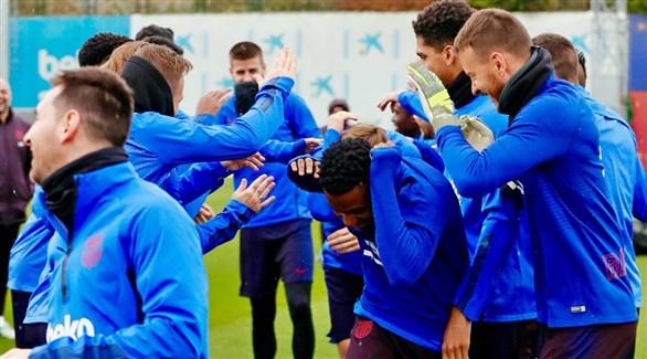 سيميدو وجوردي ألبا يعودان لتدريبات برشلونة