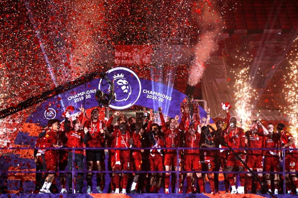 Photo of ليفربول يحتفل بالدوري بـ خماسية في شباك تشيلسي