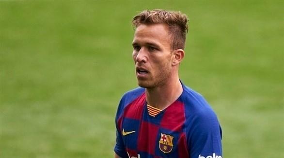 Photo of تقارير إسبانية تكشف أسباب تمرد آرثر على برشلونة