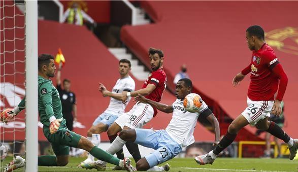 Photo of مانشستر يونايتد يسقط في فخ التعادل أمام وست هام