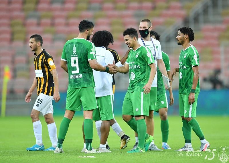 Photo of نجم الأهلي يغيب عن مباراة الفيصلي بسبب البطاقات الصفراء