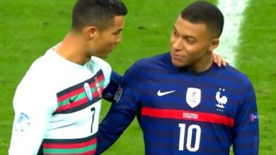 Photo of فيديو .. وصلة مزاح وضحك بين رونالدو ومبابي في مباراة فرنسا والبرتغال