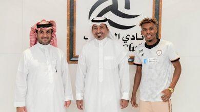 Photo of الشباب يوقع عقداً احترافياً مع فواز الصقور 4 سنوات